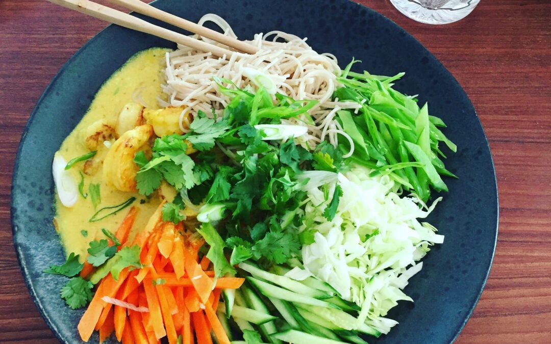 Vietnamesisk Bun Tom Xao salat